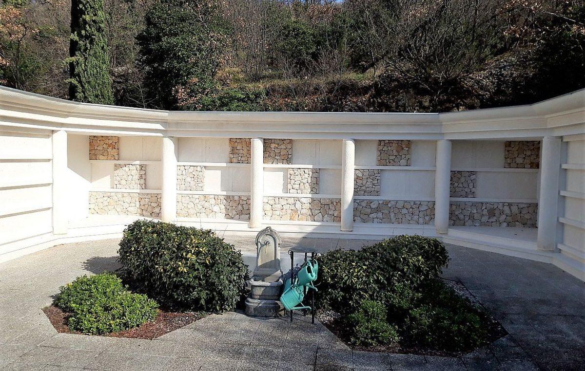 Objavljen cjenik za nove grobne niše na groblju u sv. Luciji