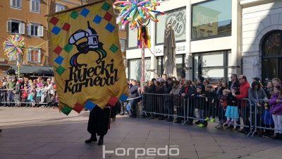 Počela je Dječja karnevalska povorka – Rijeka pod opsadom 5 tisuća malih maškara
