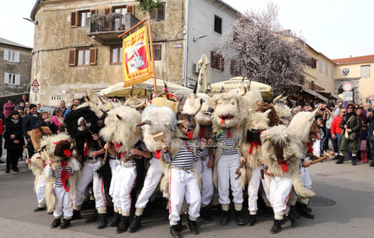 VIDEO/FOTO Halubajski zvončari obišli Kastav – Nastavila se tradicija duga više od sedamdeset godina