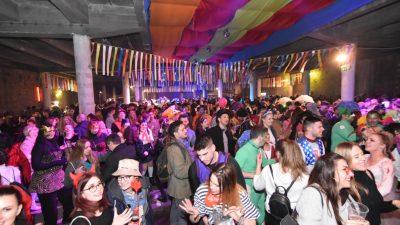 FOTO/VIDEO Posljednja karnevalska zabava bila je i najluđa: Grooversi i Aurora stvorili vrhunsku atmosferu za kraj