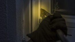 U Crikvenici pronađen osumnjičenik koji je, nakon krađe, dio predmeta zapalio, a dio zadržao