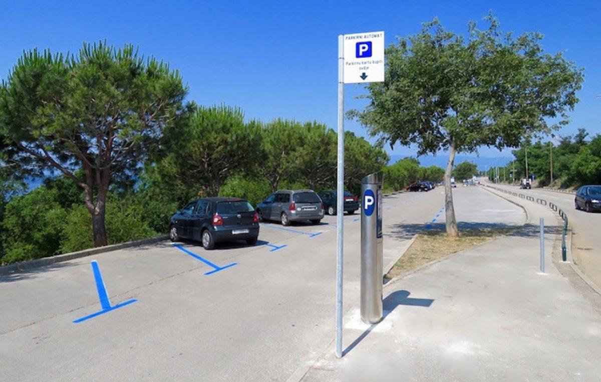 Parkirališta obalnog dijela Kostrene od sljedećeg tjedna opet pod naplatom