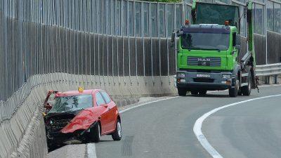 U teškoj prometnoj nesreći na vijaduktu Svilno smrtno stradao vozač automobila
