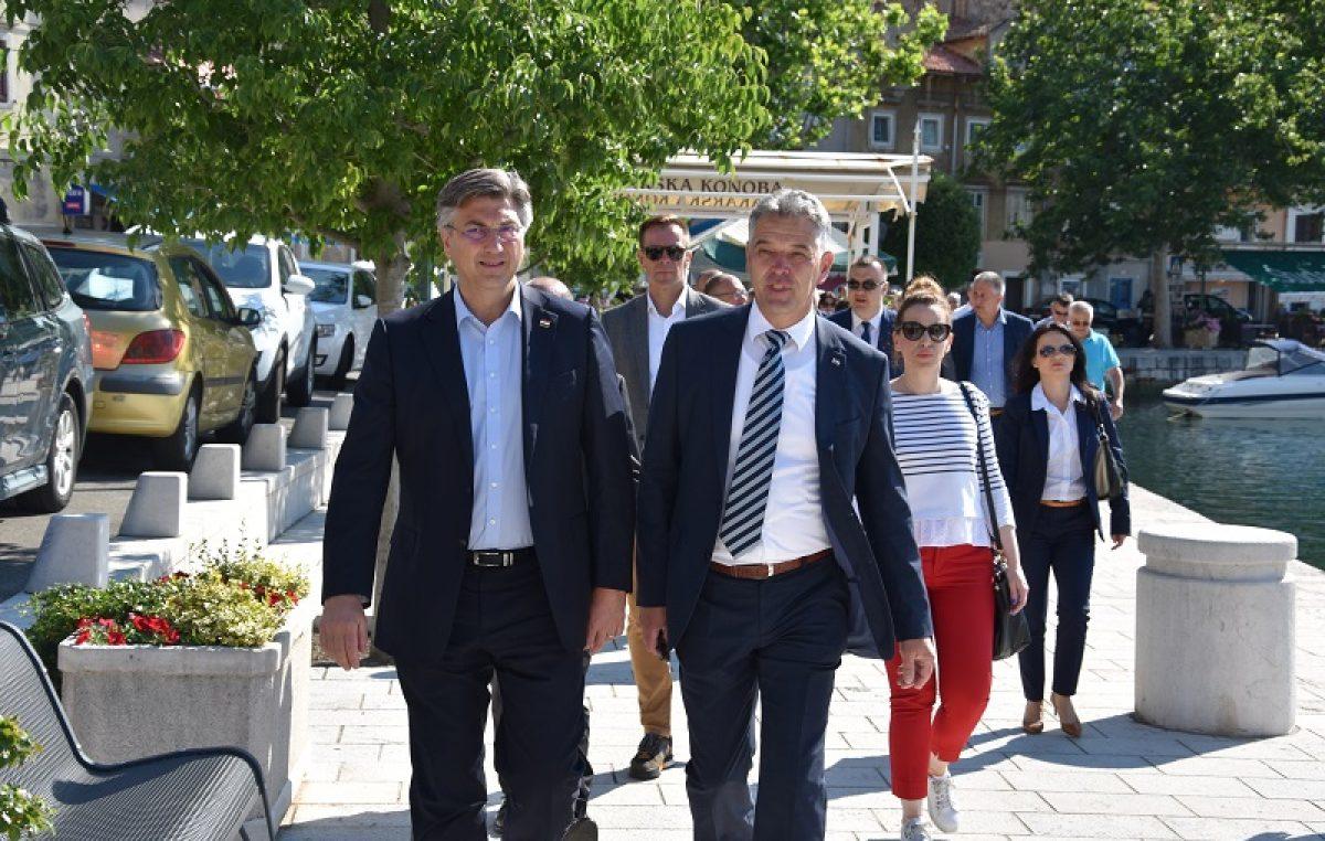Premijer Plenković posjetio Bakar: Vlada je u PGŽ isplatila 343 milijuna kuna za očuvanje radnih mjesta