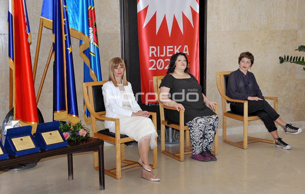 """Grad Rijeka po prvi puta dodijelio nagrade """"AmbasadoRI odgoja i obrazovanja"""""""