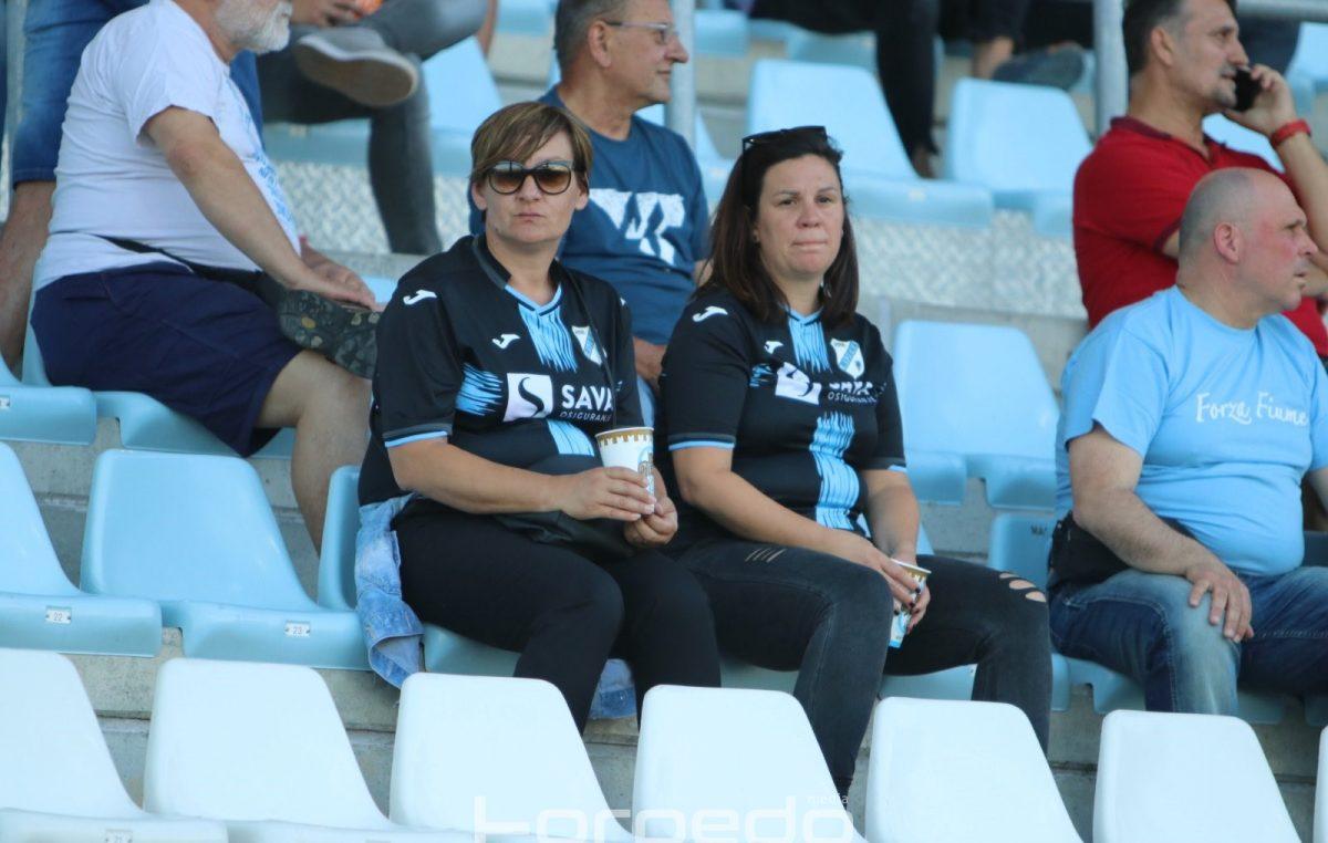 FOTO Dezinficijens nije mogao isprati razočaranje: Pogledajte kako su navijači doživjeli poraz od Gorice