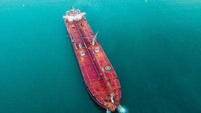 Tanker Admiral izgrađen u 3. maju stiže u Viktor Lenac