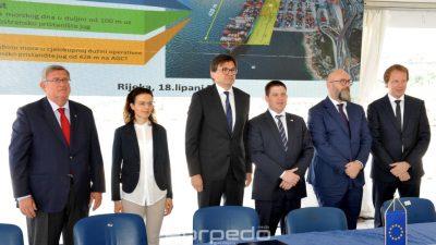 FOTO Potpisani ugovori za realizaciju dva ključna projekta za razvoj riječke luke