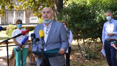 Prvi čovjek riječke bolnice Alen Ružić: Nema prodora virusa u KBC-u