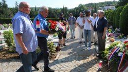 Polaganjem vijenaca na groblju na Drenovi obilježena 29. godišnjica osnutka 111. brigade HV-a