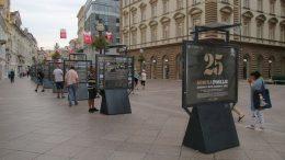 """Riječki obol Oluji: Izložba """"25 godina poslije"""" na postamentima na Korzu"""