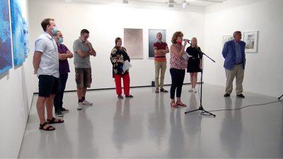 Grad i transformacija – U Galeriji Kortil otvorena izložba u čast 30-te obljetnice prijateljstva Rijeke i Neussa