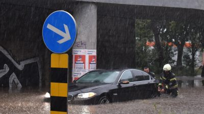 FOTO/VIDEO Kiša ponovno potopila dijelove Rijeke