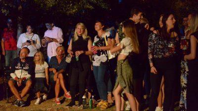 Rijeka snova na Vežici: Neno Belan & Fiumens održali koncert za pamćenje