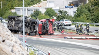 Još uvijek nisu utvrđene sve okolnosti koje su dovele do prevrtanja cisterne na autocesti kod Čavli