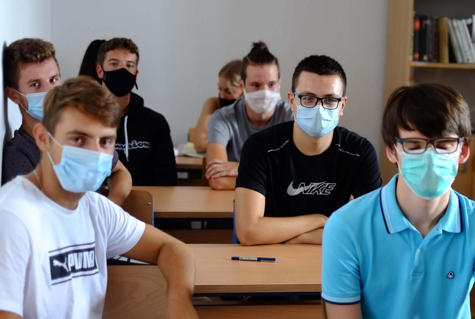 korona škola maske - Torpedo.media