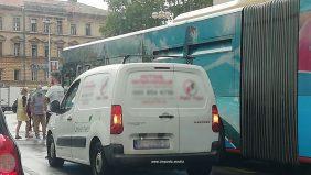 Blokiran centar grada: Na Fiumari nasred ceste zaspala pijana osoba