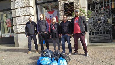 Vreće smeća ispred Gradskog vijeća – Akcija mladih performansom na Korzu ukazala na problem gospodarenja otpadom u Rijeci i okolici