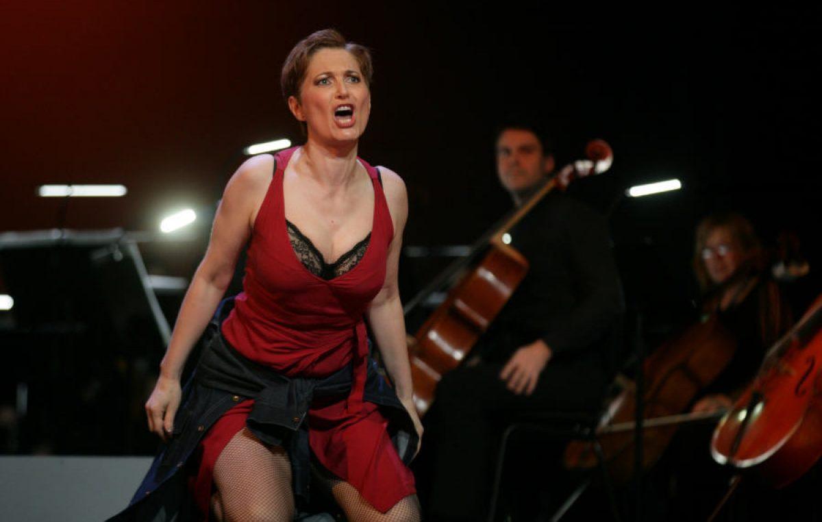 """SENTIMENTALNA I IRONIČNA, BOLNA I BRUTALNA Bizetova opera """"Carmen"""" vraća se na pozornicu riječkog HNK"""