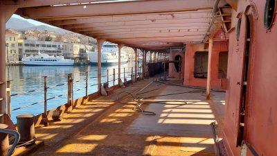 [FOTO] Brod Galeb nakratko se 'zacrvenio'