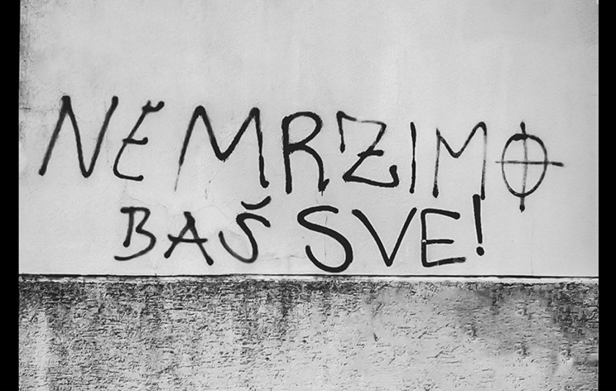 (Ne) mrzimo baš sve – Performansom protiv govora mržnje u grafitima Galerija Kortil obilježava Noć muzeja