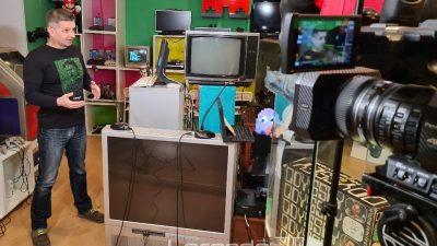 [VIDEO] 'Peek & Poke' – Mjesto u Rijeci gdje možeš dotaknuti računalo iz djetinjstva