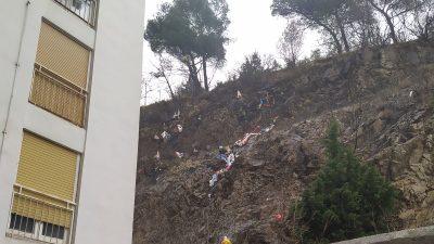 [U OKU KAMERE] S prozora nebodera na Rastočinama bacali vreće sa smećem