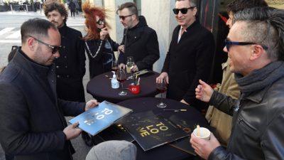 [FOTO/VIDEO] Ispred Dallas Music Shopa održana promocija vinilnog izdanja albuma 'To Love / To Hold' grupe Jonathan