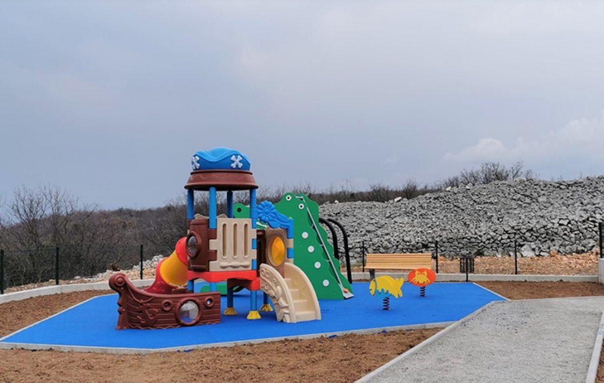 Mali Kostrenjani u Doričićima dobili novi prostor za igru i zabavu
