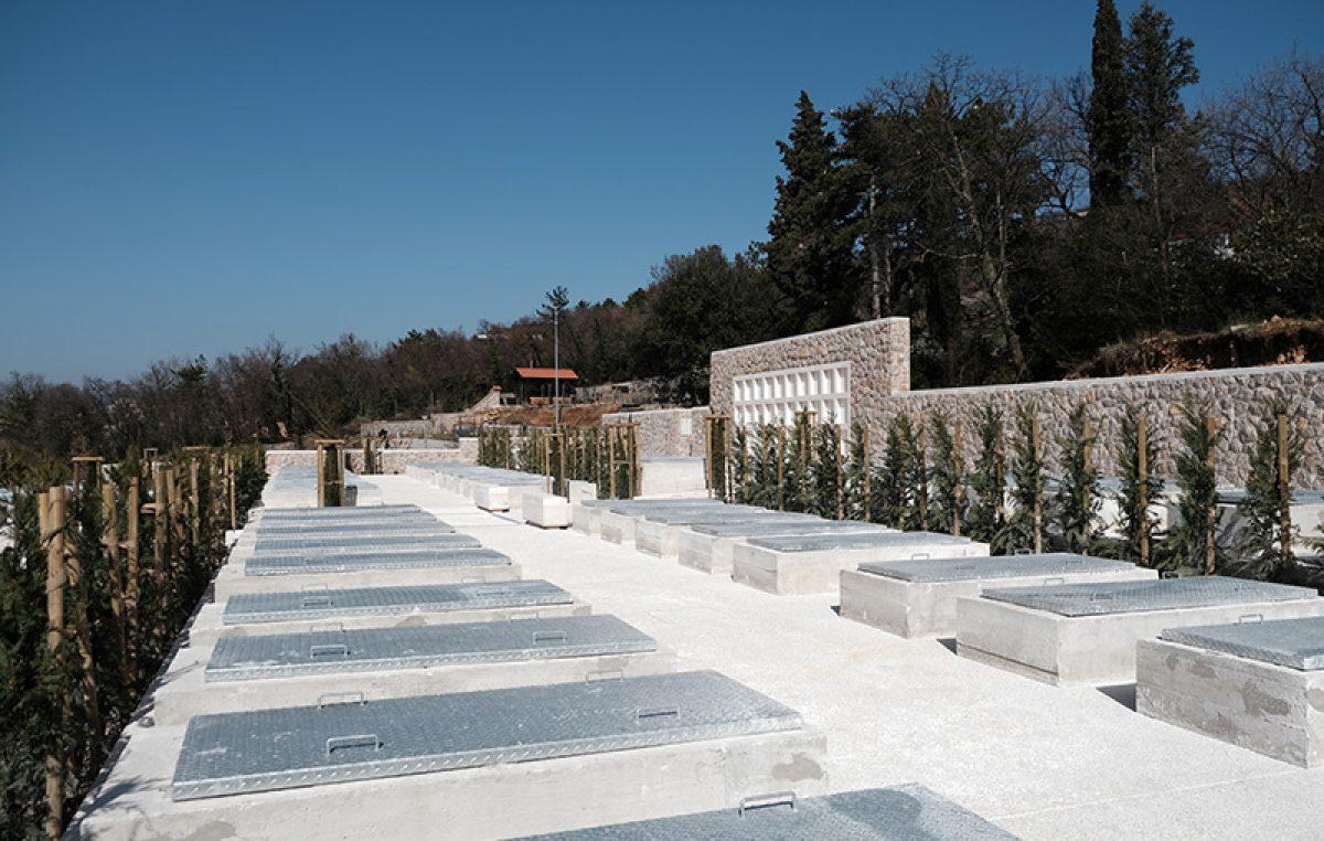 Kostrena objavila Javni poziv za dodjelu novih grobnih mjesta na groblju u Svetoj Luciji