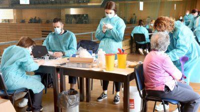 [FOTO] Nastavlja se cijepljenje u Centru Zamet