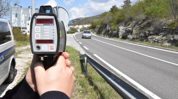 Vikend u prometu: Zatečenim recidivistima predložena kazna od 60 i 40 tisuća kuna, na A7 kod Krasice izmjerena brzina od 223 km/h