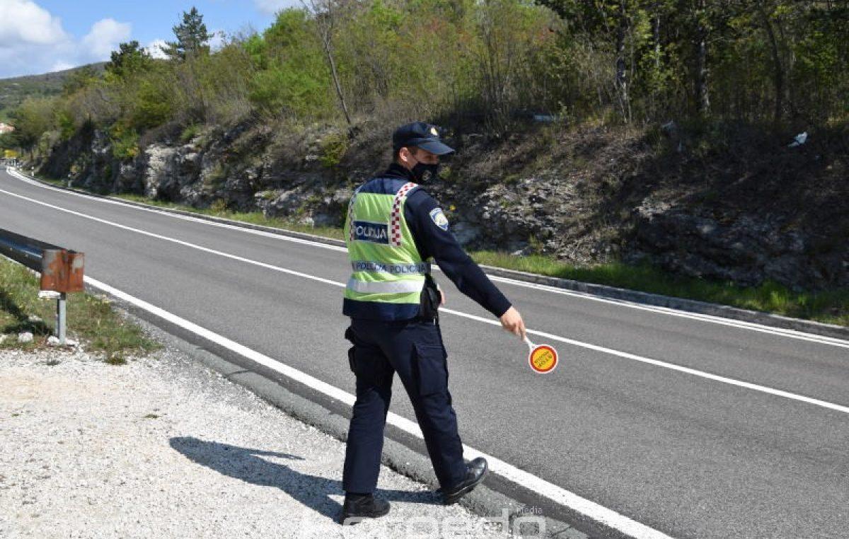 Za vikend utvrđena 304 prometna prekršaja, mopedist vozio s 2,04 promila alkohola