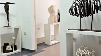 """Suvremeno kiparstvo načinjeno ženskom rukom: """"Gospođa kipar/Madame sculpteur"""" u Relativnoj galeriji"""