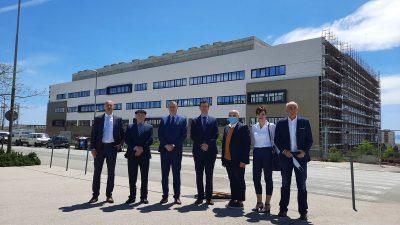 Predstavnici HBOR-a obišli KBC Rijeka te radove na izgradnji nove bolnice na Sušaku
