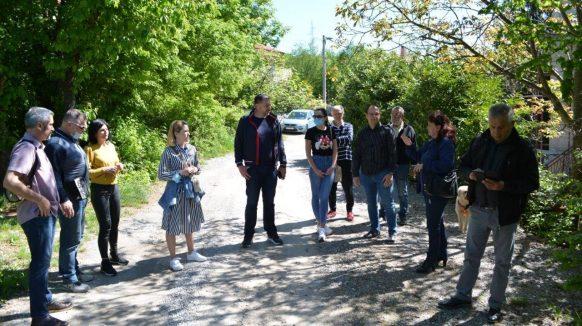 Josip Ostrogović posjetio riječke kvartove: Srdoči i Pehlin mogu biti primjer, a Gornja Vežica je kvart budućnosti