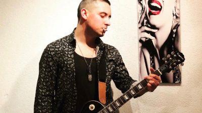 """Je li dosta negative: Mladi riječki pjevač Cristian Tonsi pjesmom poziva na """"Zrno pozitive"""""""