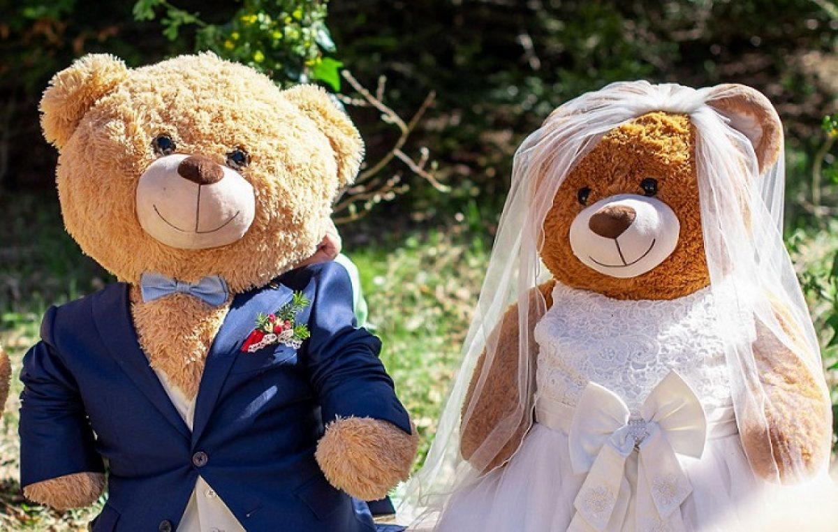[FOTO] Vjenčali se Uršula i Berni – poznati riječki plišani medvjedići