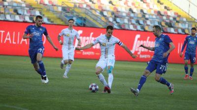 [FOTO] Potop na Rujevici – Nogometaši Rijeke s tri autogola počastili Dinamo