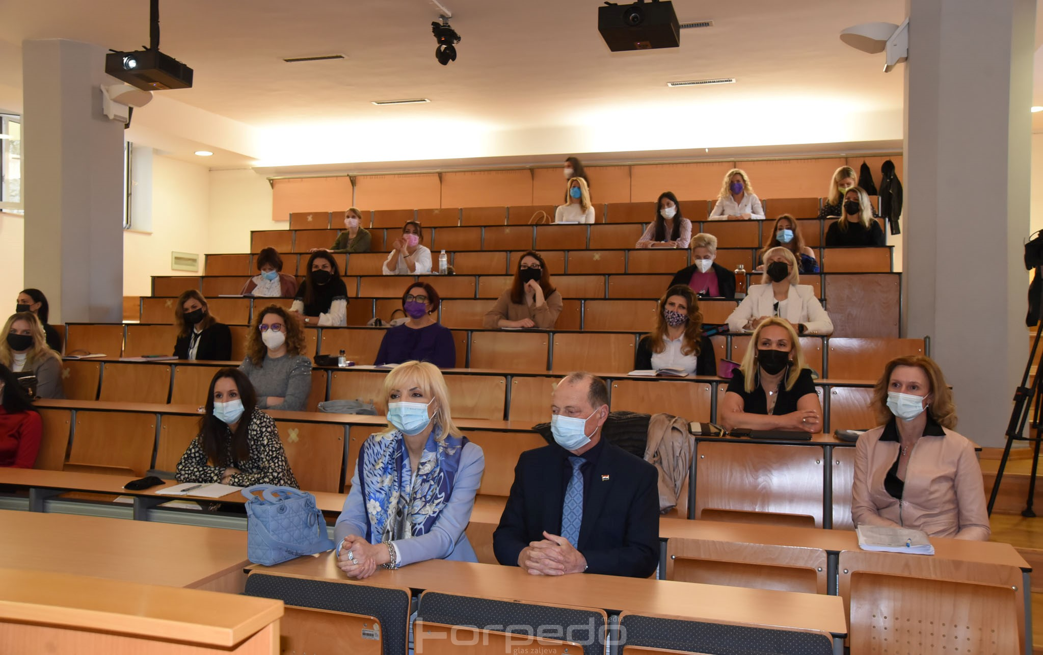 medicinski fakultet rijeka otvorio prvi postdiplomski program nekirurske estetske medicine u hrvatskoj