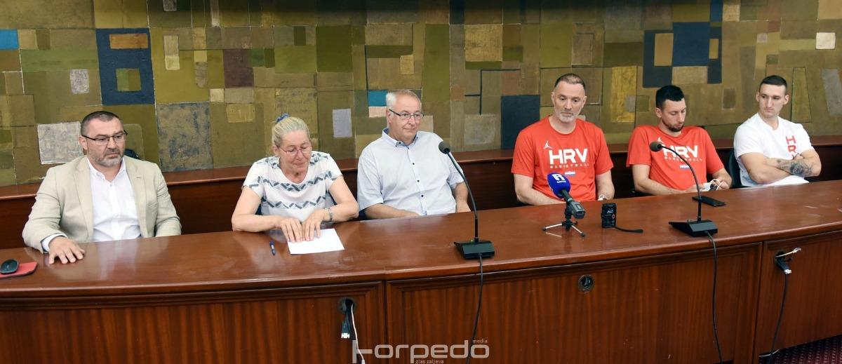 [FOTO] Prijateljska utakmica hrvatske i slovenske košarkaške reprezentacije u Rijeci