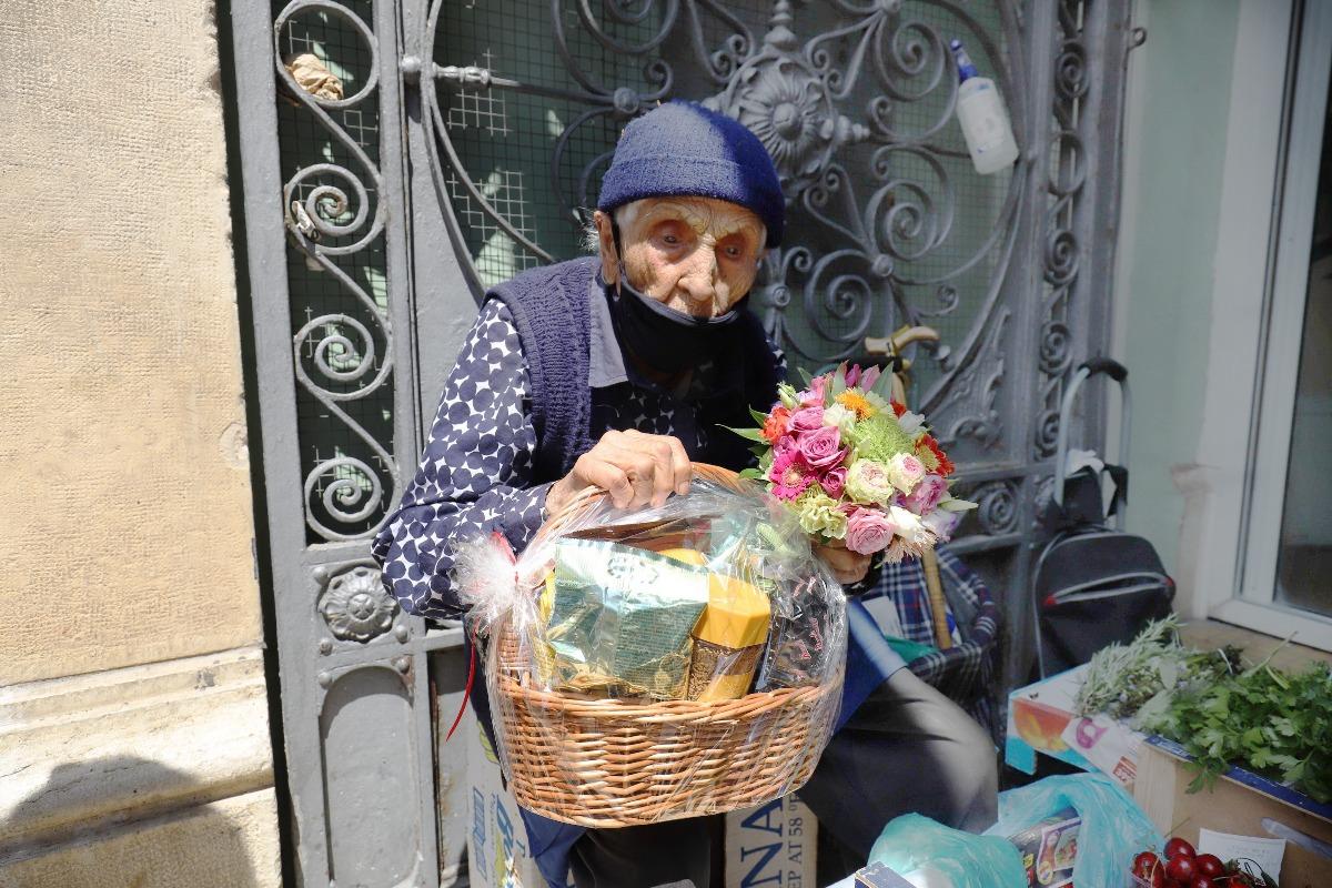 Baka Kata, najstarija prodavačica na riječkoj tržnici, proslavila 100. rođendan!