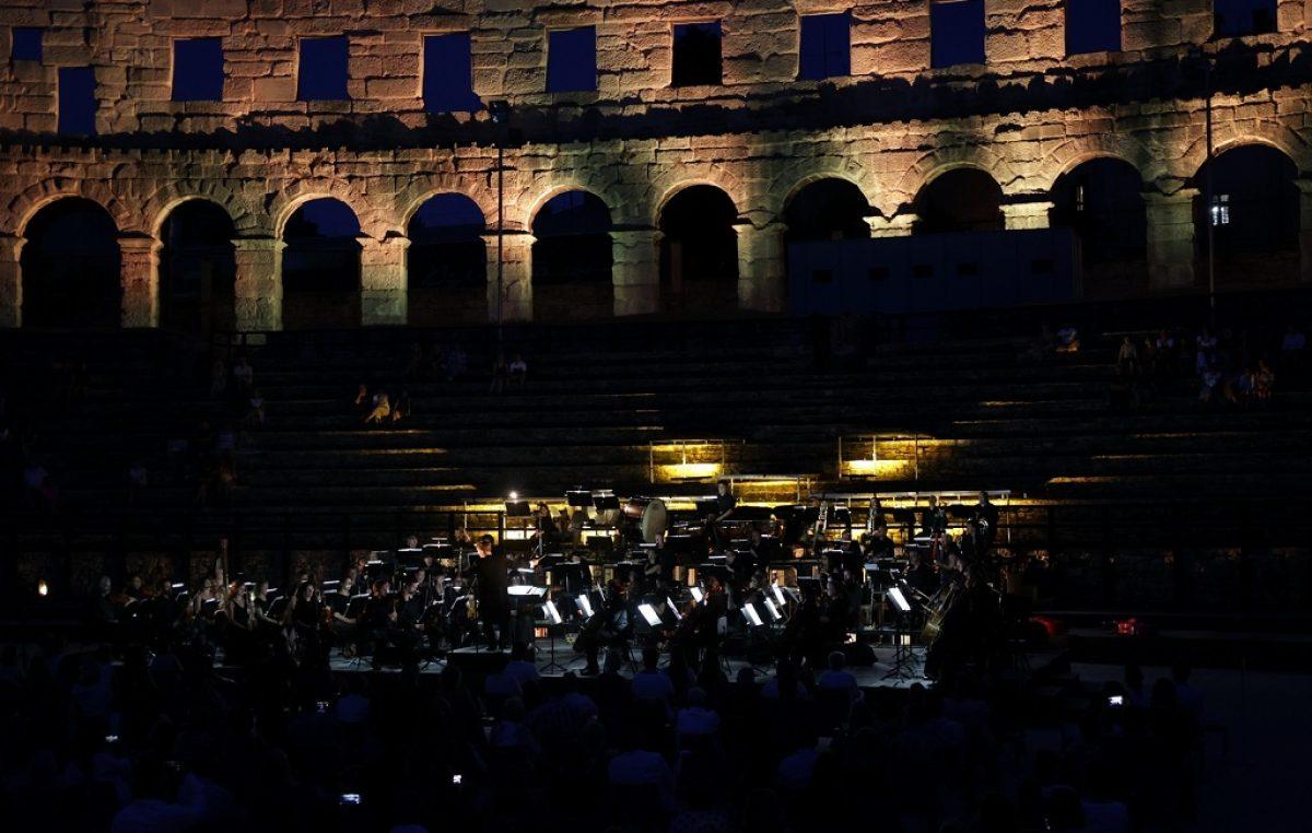 "Grand finale 3. festivala ""Summer classic"" u Areni, koncert ""Opera Gala"""