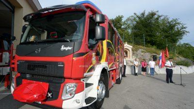 [FOTO/VIDEO] Dobrovoljnom vatrogasnom društvu Halubjan Općina Viškovo kupila vozilo vrijedno 2,2 milijuna kuna