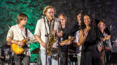 [VIDEO/FOTO] Sjajna atmosfera na Ljetnoj – Peti dan Jerry Ricks Blues Festivala obilježila najmasovnija okupacija bine