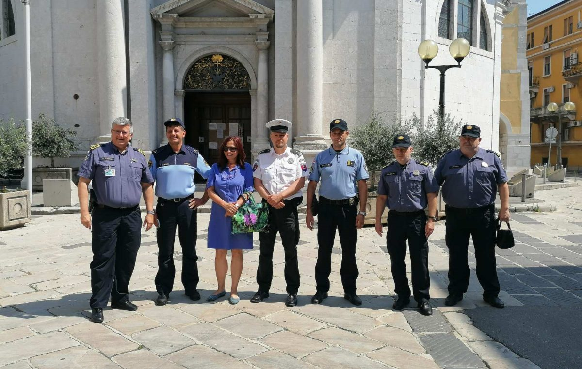[FOTO/VIDEO] Sigurna turistička destinacija uz slovenske i slovačke policijske službenike