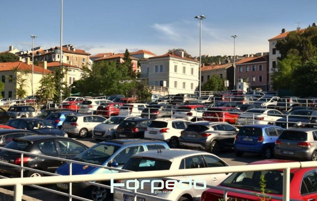[FOTO] Vijećnica Mičić Badurina: Cijena parkiranja kod KBC-a je nehumana. Filipović odgovara da je spreman poboljšati uslugu