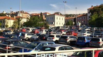 Parkiranje ispred riječkog KBC-a ipak će biti jeftinije – Još se ne zna koliko