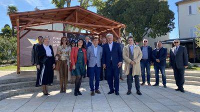 U Malinskoj održan susret župana Komadine s načelnicima i gradonačelnicima iz PGŽ-a, dominirale teme gospodarenja otpadom, turizam i divlje svinje