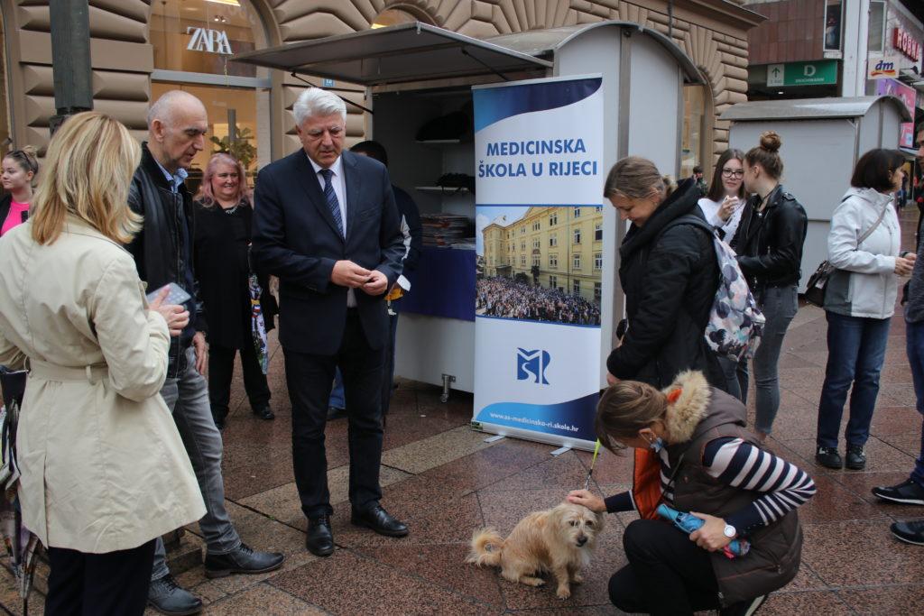Župan povodom dana Medicinske škole obišao buduće medicinare na riječkom Korzu